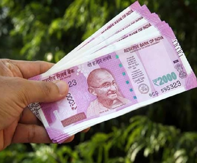 7th Pay Commission Latest News: Govt hikes DA by 4 pc for workers, restores DR for pensioners from January