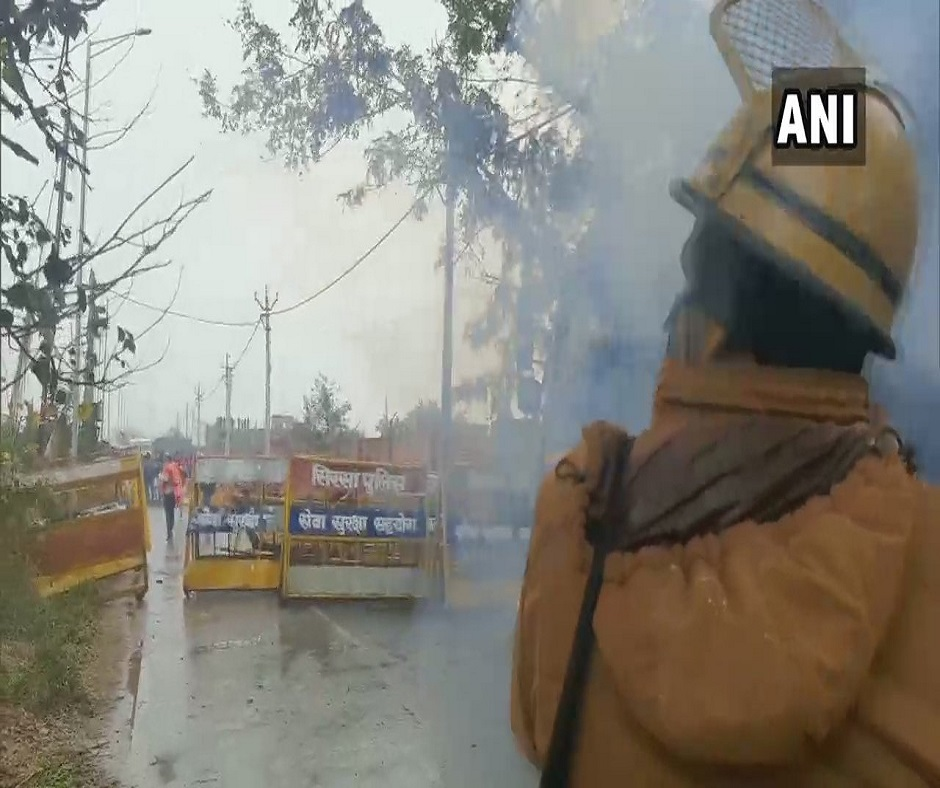 Khattar's 'kisan mahapanchayat' cancelled as cops use water cannon, teargas shells to stop farmers' march