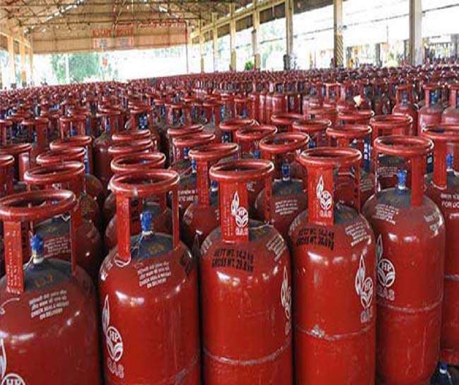 LPG Cylinder Rates: Cooking gas price hiked by Rs 17; here's how much you'll have to pay for a cylinder now