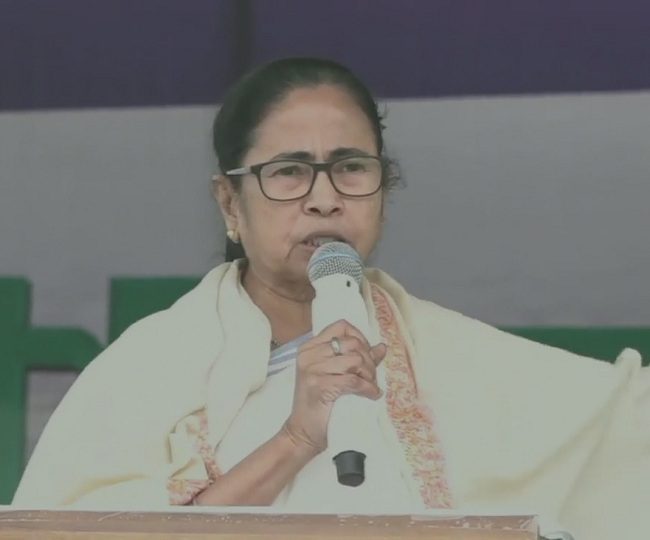 West Bengal Polls | 'More dangerous than Maoists': Mamata Banerjee ups ante against BJP at Purulia rally
