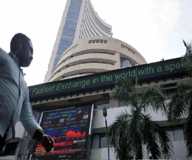 Sensex Slumps Over 800 Points, Nifty Below 13,750; PSU Banks Worst Hit