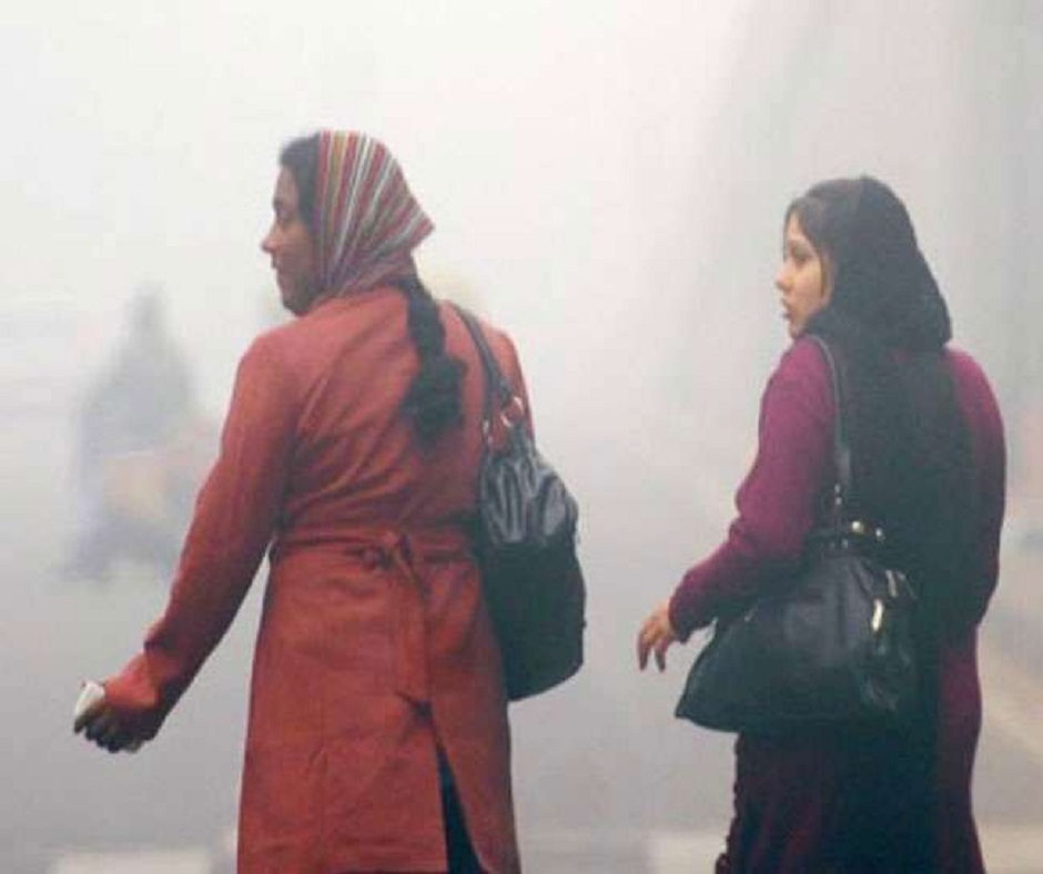 Delhi-NCR Weather Updates: Mercury likely to drop across city as IMD issues 'yellow alert'; several trains delayed