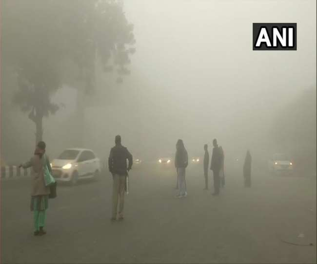 Weather Updates: Fog engulfs Delhi as temperature dips to 4 degrees; light rain expected in first week of Feb