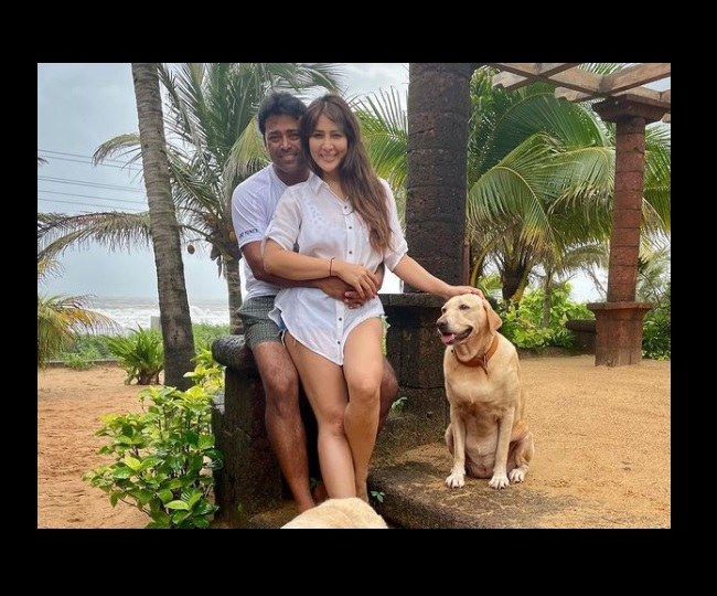 Kim Sharma and Leander Paes' vacation pictures from Goa sparks dating rumours | See Pics Inside
