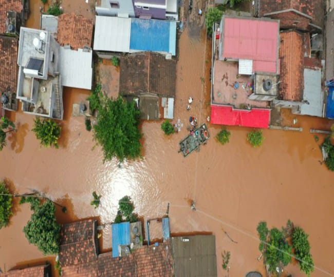 Maharashtra Floods: Death toll rises to 164; Army, Coast Guard continue rescue Ops, Govt sets up NDRF-style mechanism