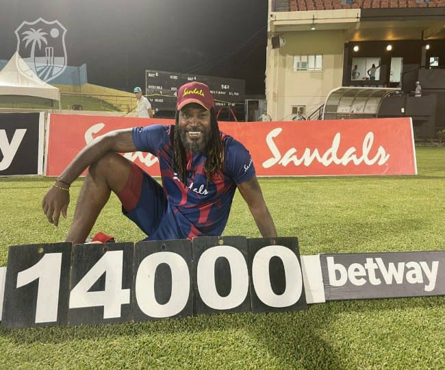 'Legend of the format': Netizens left in awe after Chris Gayle becomes first to score 14000 runs in T20 cricket