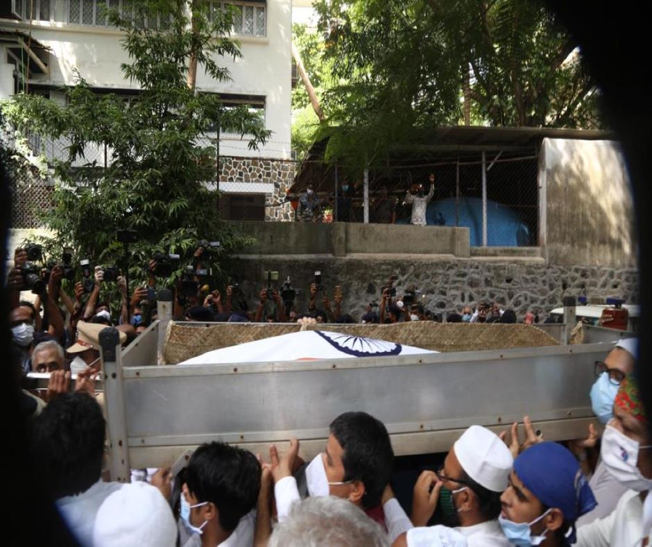 Dilip Kumar Funeral: Legendary actor laid to rest at Juhu Qabrastan with full state honours | See pics