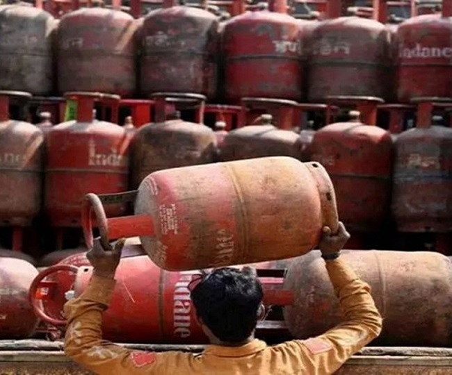 LPG cylinder price increased by Rs 25, costs Rs 834 in Delhi; check rates in your city here