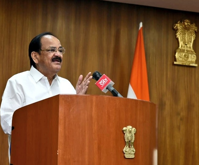 Need to prepare students to think 'independently': Vice President Naidu calls for creation of hybrid teaching model