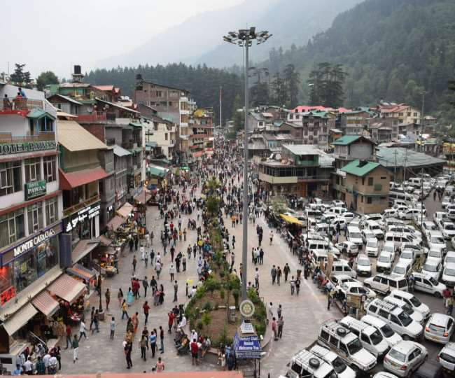 'Images of people thronging hill stations frightening', says govt, warns of lockdown if COVID norms not followed