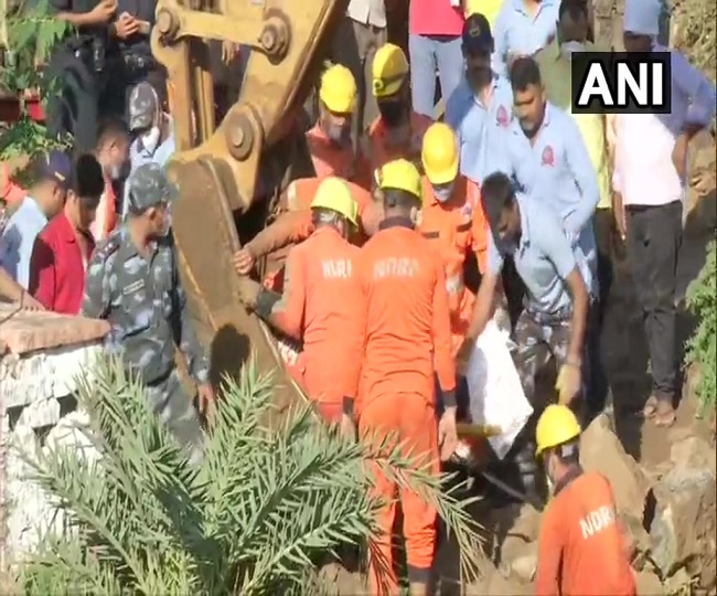 4 dead, 19 rescued so far after 30 people fall into well in Madhya Pradesh's Vidisha; rescue ops underway