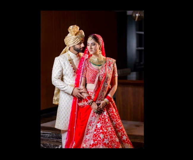 Rahul Vaidya-Disha Parmar tie the knot in Mumbai; here's first pic of Dishul
