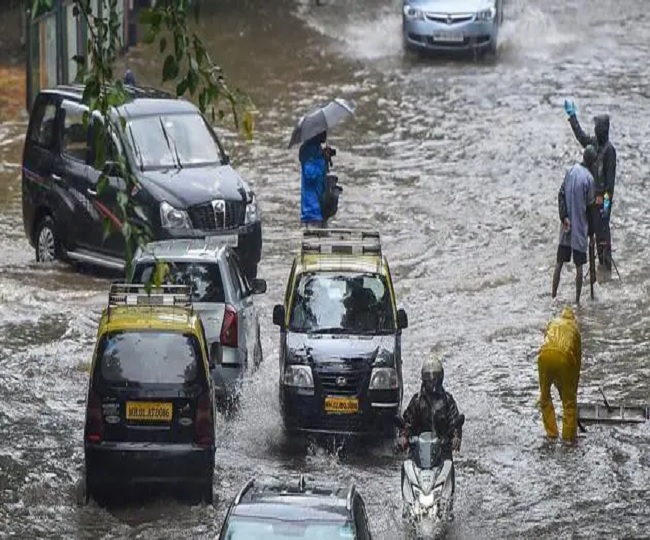 Waterlogging in Chembur, Sion, local trains halted as heavy rainfall batters Mumbai; IMD issues weather warning for 5 days