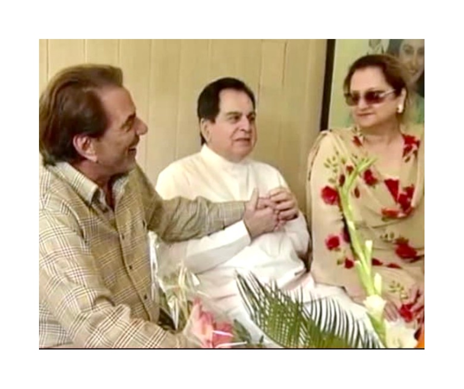Dharmendra shares post for Dilip Kumar, appeals to everyone to pray for veteran actor's recovery