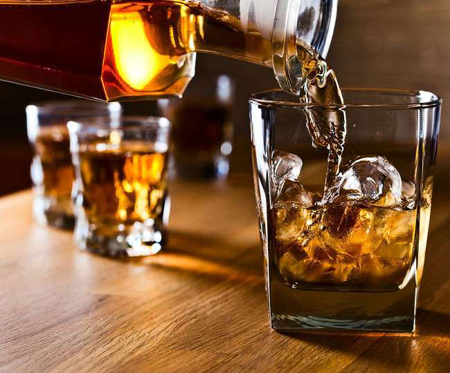 Now get your favourite booze delivered at home in Delhi through mobile apps, online portal; here's how to order