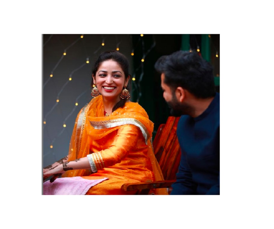 Newlywed Yami Gautam looks scintillating at her Mehendi ceremony with Aditya Dhar   See Pics