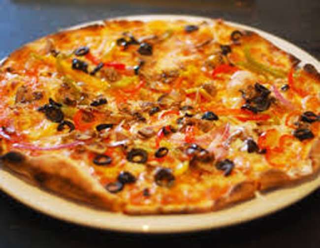 Ghaziabad woman seeks Rs 1 crore compensation for getting non-veg pizza, netizens say 'behan kuch bhi'