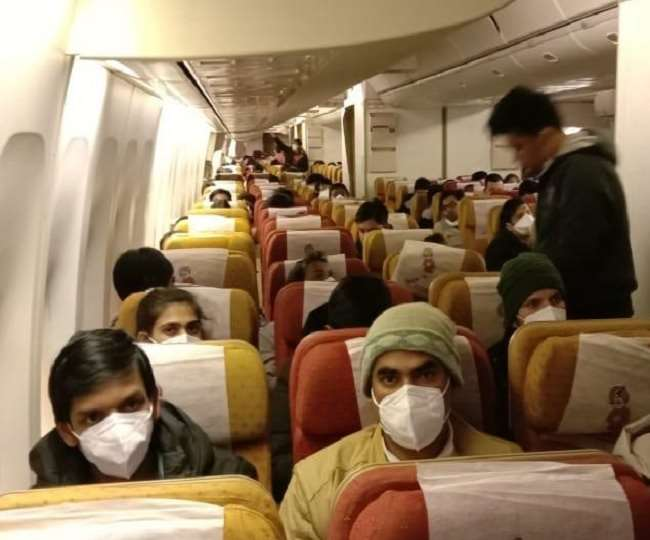 In a first, four flyers on board Jammu-Delhi flight handed over to cops for refusing to wear face mask