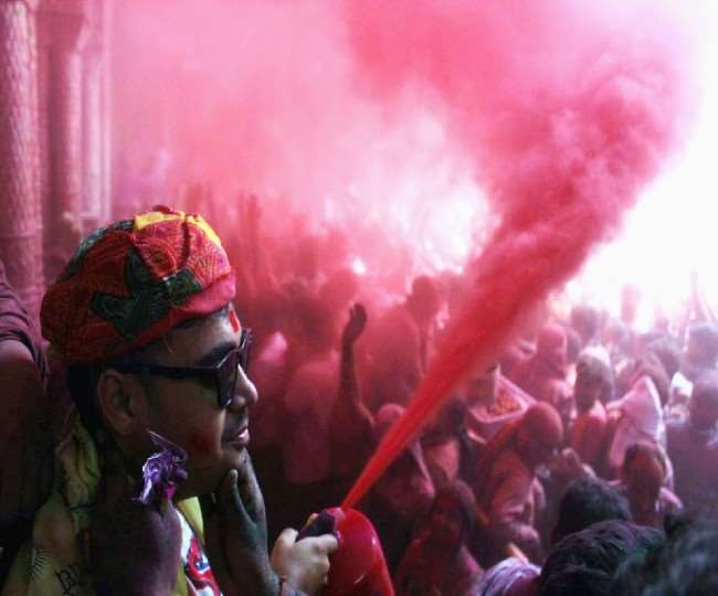 Holi 2021: Listen to these 7 Bhojpuri songs to celebrate the festival of colours