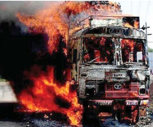 Struck by lightning, truck carrying 450 LPG cylinders catches fire; explosions for hours block Jaipur-Kota highway