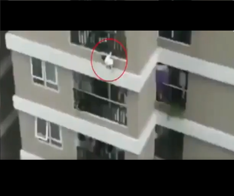 Caught on Camera: Delivery man catches 2-year-old girl as she falls from 12th storey in Vietnam