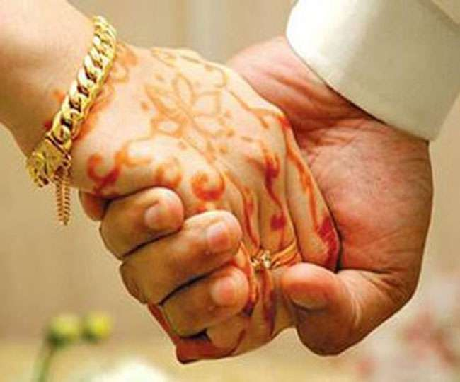 Delhi Lockdown: Complete ban imposed on marriages at public places amid COVID uptick   Details here