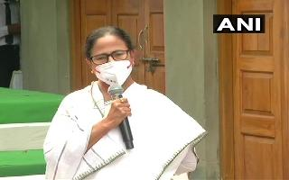 'I'm a street fighter, together we can defeat BJP': Mamata Banerjee sets..