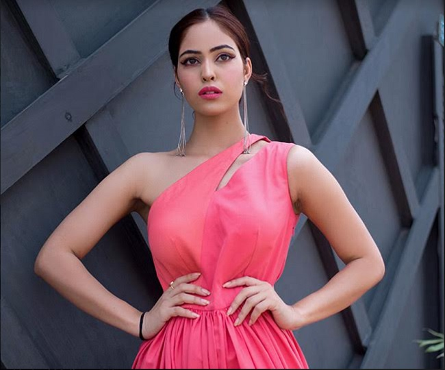 Meet Priyanka Arya, the beauty whose class apart style will blow up your mind