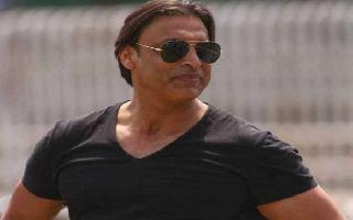 Shoaib Akhtar walks out from TV show, resigns on-air after being insulted..