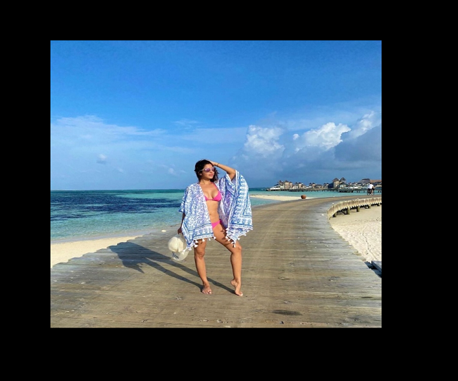 Sophie Choudry oozes the oomph with sultry pictures from her Maldives trip | See pics inside