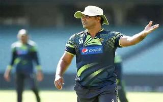 'Not intended at all': Waqar Younis apologises for 'namaz between Hindus'..