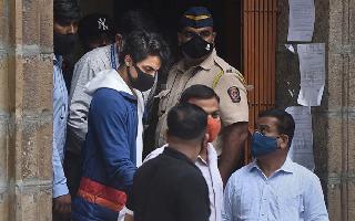 Aryan Khan, Arbaz Merchant, Munmun Dhamecha granted bail in..