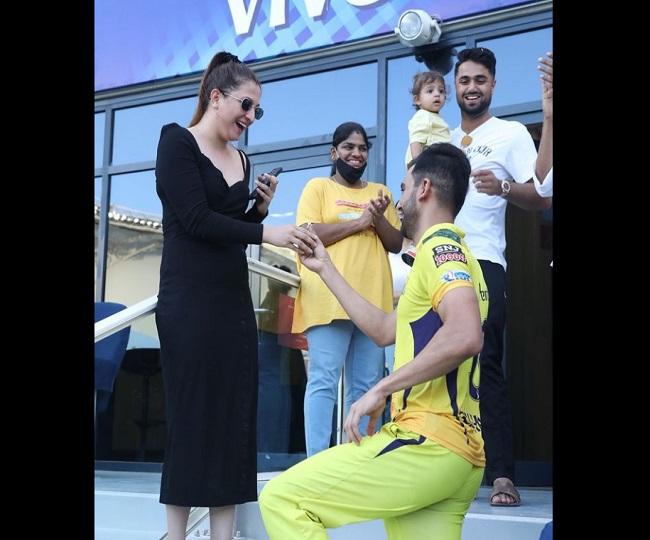 IPL 2021, CSK vs PBKS: Deepak Chahar proposes to girlfriend after match against Punjab Kings   WATCH