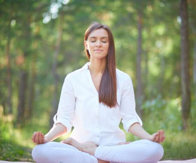 Want sculpted face? Try these 8 yoga asanas at home to reduce face fat