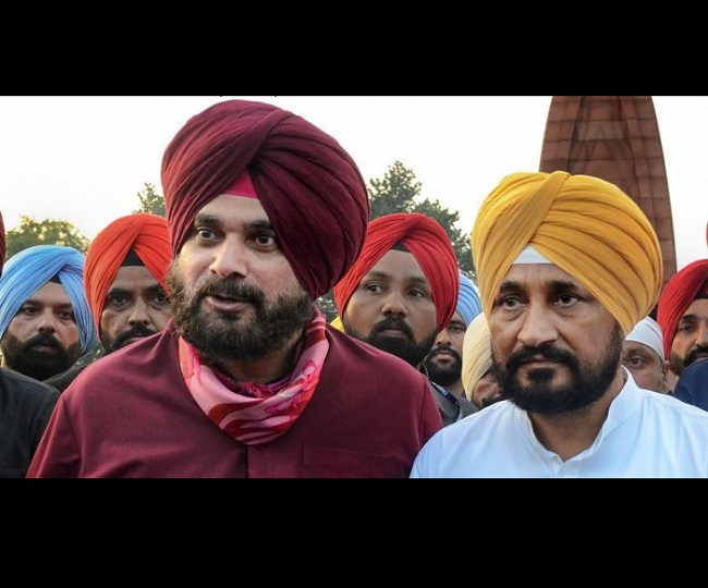 Congress to set up 3-member panel to resolve crisis, Navjot Singh Sidhu to continue as Punjab chief | 5 Points