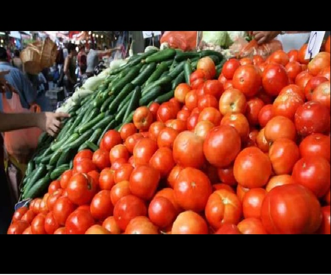 Tomato, Onion, other vegetable prices hiked by 25 pc in Delhi; wholesalers blame rains, increased fuel price