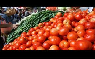 Tomato, Onion, other vegetable prices hiked by 25 pc in Delhi; wholesalers..