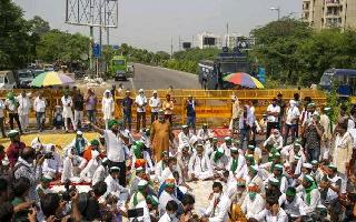 'Can protest but can't block roads indefinitely', says SC, asks farmer..