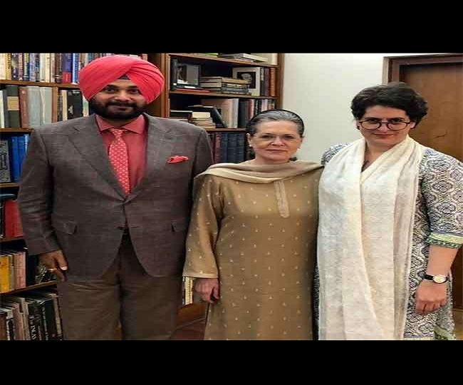 Congress' decision on new Punjab chief expected today; Sidhu says 'have full faith in Gandhis'