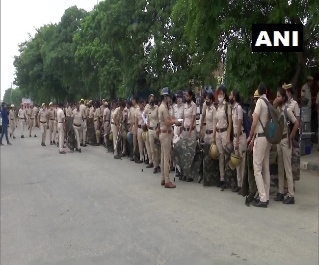 Kisan Mahapanchayat: Drone cameras, barricades in place as farmers reach Anaj Mandi, plan gherao at Mini-Secretariat