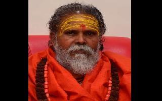 Mahant Narendra Giri, Akhada Parishad head, found dead at Prayagraj residence; suicide note recovered