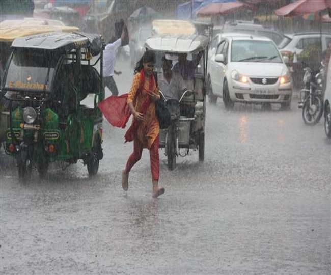 Delhi-NCR Weather Updates: Record rains lead to waterlogging at Delhi Airport, orange alert issued   Updates