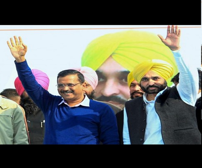 Punjab Polls 2022: Arvind Kejriwal praises 'younger brother' Bhagwant Mann but remains tight-lipped on AAP CM face