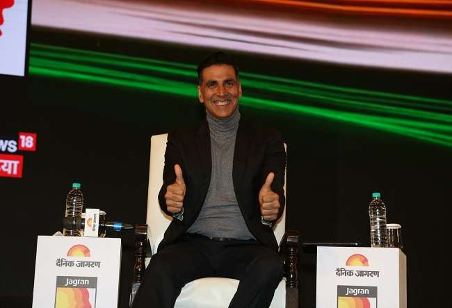 Akshay Kumar Birthday Special: A look at actor's bond with his late mother Aruna Bhatia