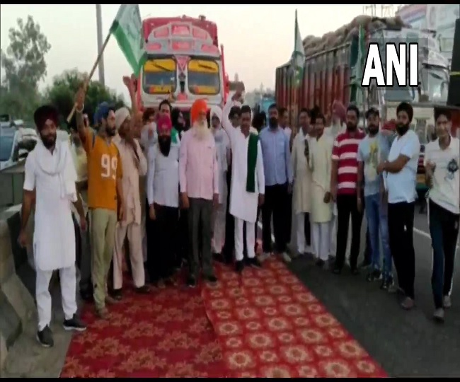LIVE Bharat Bandh on Sept 27: Farmers stage nation-wide strike today; know what's open and what's closed