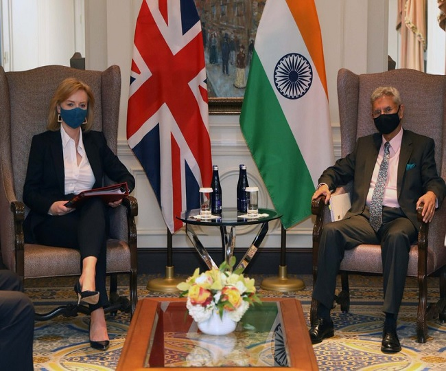 Jaishankar pushes for 'early resolution' during meet with British counterpart as new UK vaccine rules irk India