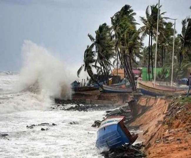 Cyclone Gulab's landfall process completed, heavy rains likely in Chhattisgarh, Odisha, Bengal; 2 fishermen dead