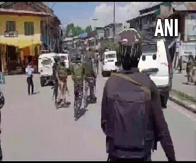 J-K Grenade Attack: Four civilians injured after terrorists hurl bomb on security forces in Pulwama