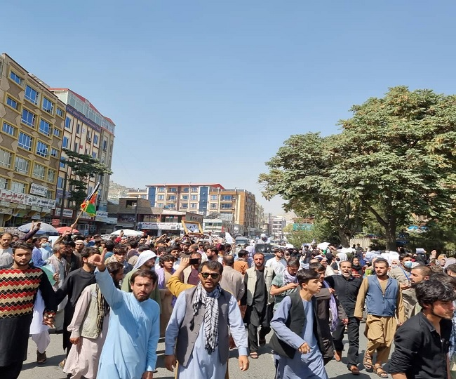 Taliban fire shots to disperse protesting crowd against Pakistan's 'meddling' in Afghan affairs