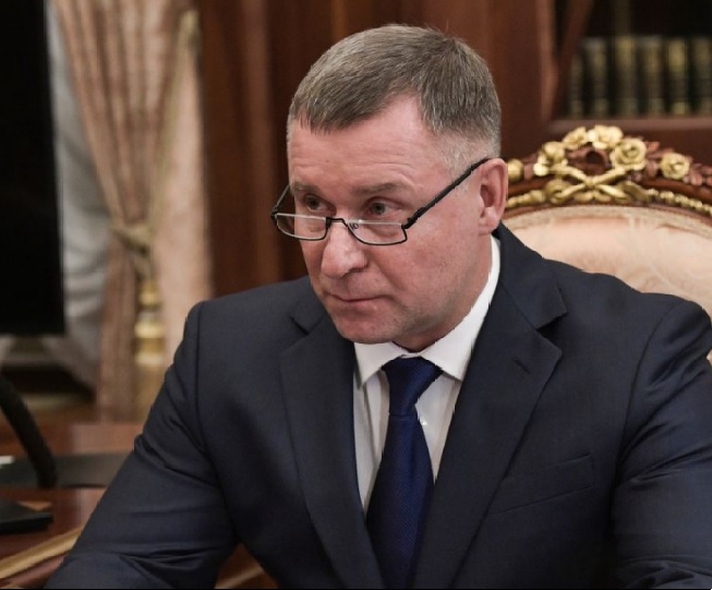 Russia's emergencies minister Yevgeny Zinichev dies during Arctic drill